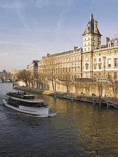 virgin-experience-days-1-night-in-paris-with-river-cruise