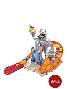 hot-wheels-nitrobot-attack-track-set