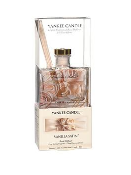 yankee-candle-signature-collection-reed-diffuser-vanilla-satin