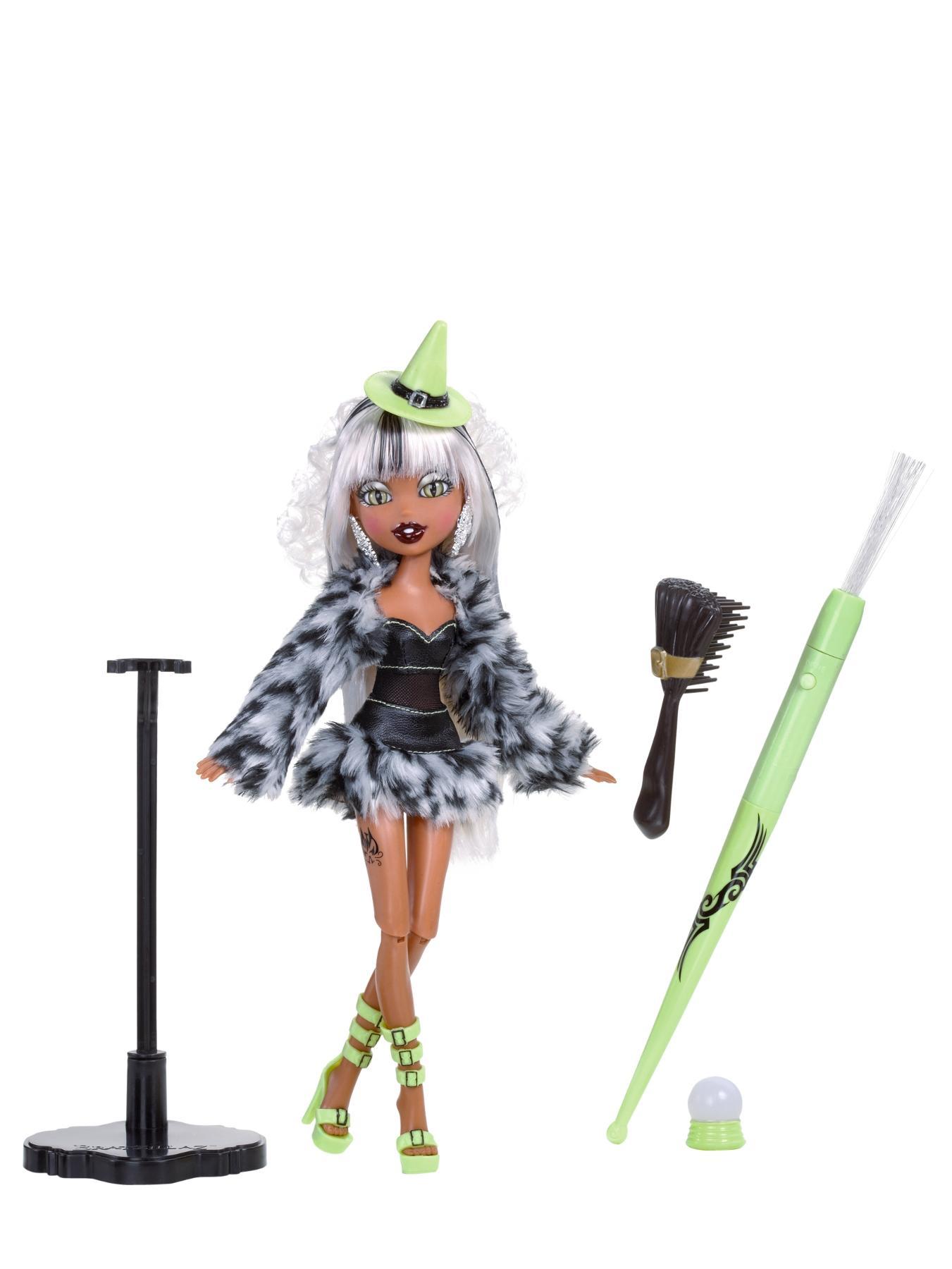 Bratzillaz Magic Night Out Doll - Sashabella Paws