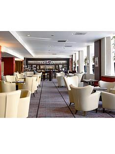virgin-experience-days-champagne-afternoon-tea-for-two-at-the-edinburgh-carlton-hotel