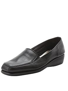 foot-cushion-curly-leather-stitch-and-turn-shoes
