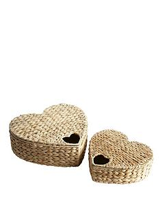 set-of-2-heart-shaped-water-hyacinth-baskets-with-heart-detail