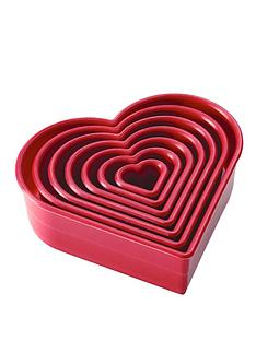 cake-boss-hearts-7-piece-polyamide-cutters-set