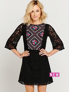 lace-printed-panel-dress