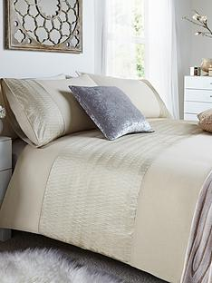 heat-set-panel-duvet-and-pillowcase-set