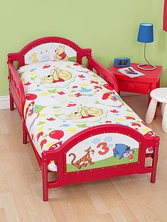 disney-winnie-the-pooh-classic-toddler-bed-bundle
