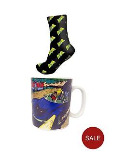 batman-vintage-print-mug-and-socks