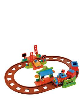 early-learning-centre-happyland-train-set