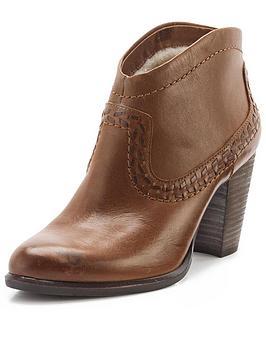 ugg-australia-charlotte-cowboy-ankle-boots