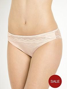 wonderbra-my-pretty-push-up-lace-brazilian-briefs