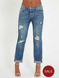 rochelle-humes-ripped-boyfriend-jeans