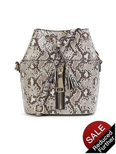 zip-detail-duffle-bag