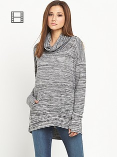 bench-addition-loose-fit-sweat-top