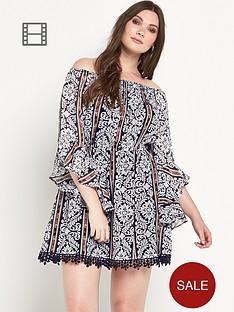 ax-paris-curve-bell-sleeved-dress