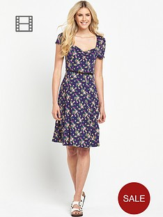 south-tall-floral-print-sweetheart-neck-tea-dress