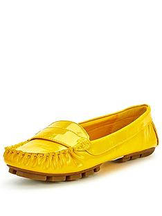 shoe-box-oakley-patent-driving-shoes-yellow
