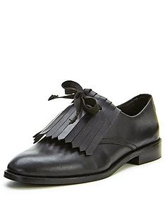 shoe-box-pansy-fringe-bow-detail-leather-brogues