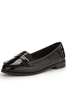 shoe-box-star-apron-detail-patent-loafer-standard-fit