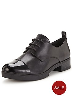 clarks-valentines-chic-brogue-shoes