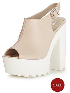 glamorous-chunky-sole-sandals