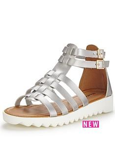 glamorous-metallic-gladiator-sandals