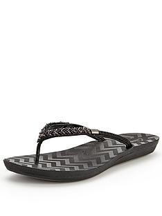 clarks-solar-case-flip-flops-black