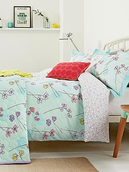 helena-springfield-buttercup-large-quilted-throw
