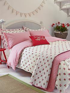 julie-dodsworth-heart-and-soul-bedspread