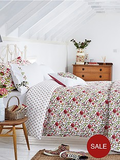 julie-dodsworth-mary-rose-bedspread