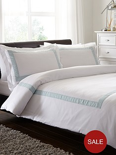 belledorm-hampton-200-thread-count-duvet-cover-set