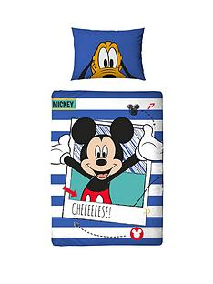 mickey-mouse-polaroid-toddler-duvet-cover-set