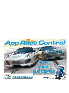 scalextric-gt-one-with-rcs
