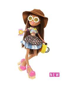 bratz-selfiesnaps-doll-yasmin