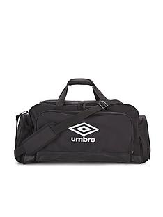 umbro-speciali-medium-football-holdall