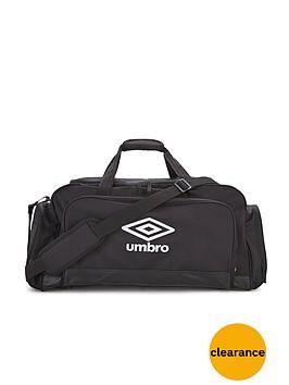 umbro-speciali-medium-football-holdall