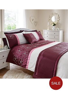 http://media.very.co.uk/i/very/B892P_SP250_61_6DRYM/floral-bed-in-a-bag.jpg?$234x312_standard$&$roundel_very$&p1_img=sale_roundel