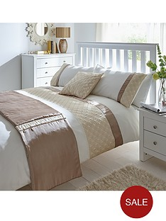 http://media.very.co.uk/i/very/B892P_SP250_65_6DT4Y/quilted-panel-bed-in-a-bag.jpg?$234x312_standard$&$roundel_very$&p1_img=sale_roundel