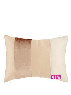 velvet-panel-cushion-gold