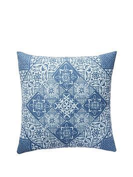 tile-print-cushion