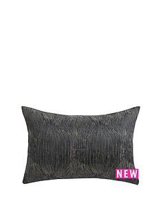evie-cushion-navy