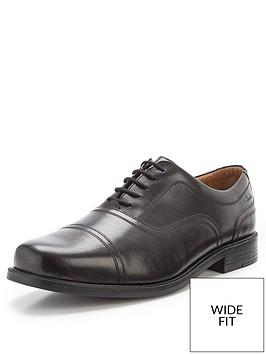clarks-beeston-cap-lace-up-wide-fit-shoes