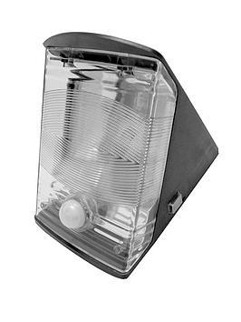 response-solar-powered-entrance-light