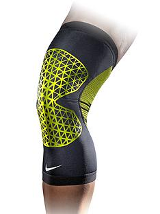 nike-pro-combat-hyperstrong-knee-sleeve-medium