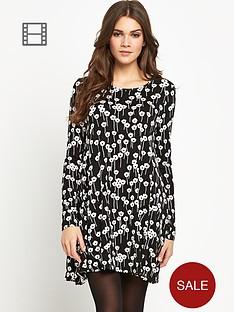 glamorous-monochrome-swing-dress