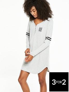 v-by-very-varsity-henley-sleep-shirt