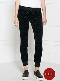 juicy-couture-leopard-print-velour-slim-sweatpant-black