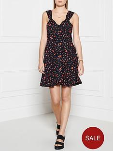 ppq-cream-label-sweetheart-neckline-dress-red