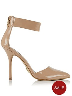 juicy-couture-kristelle-patent-court-shoe-nude