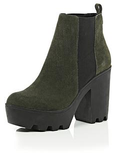 river-island-pete-suede-chelsea-cleated-sole-chunky-heeled-boots